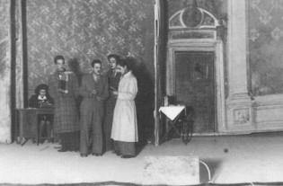 Una scena de I Nostri Sogni del 1943. Teatro di Racalmuto