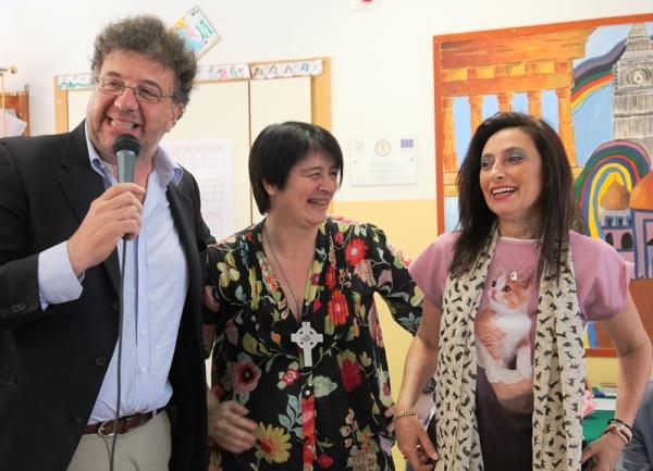 Le due scrittrici finaliste con Gaetano Savatteri