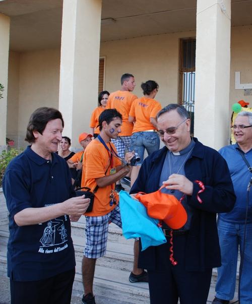 Padre Martorana con l'arcivescovo Montenegro