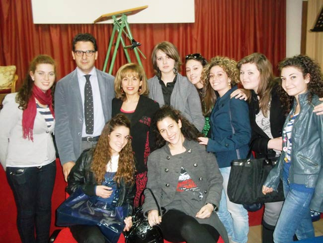 Gli studenti del Linares con Salvatore Ferlita