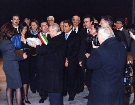 L'omaggio al Presidente
