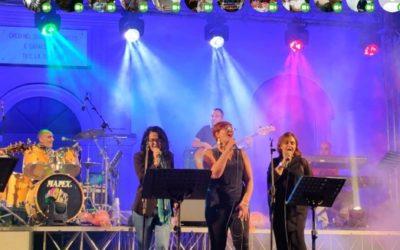 Grotte, trionfa la musica degli anni '80